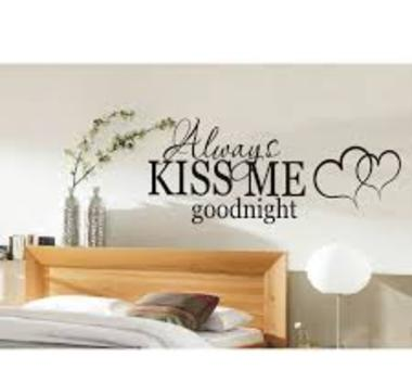 Romantyczny Nastrój W Sypialni Naklejka Na ścianę